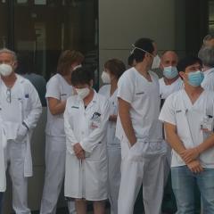 """Noves concentracions dels metges del departament de salut d'Alcoi: """"Sense atractiu, als territoris perifèrics no vindrà cap professional"""""""