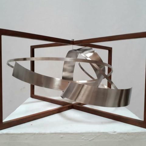 A subhasta una escultura de Rafael Amorós, i el recaptat serà per a la futura banda de l'Andreu Sempere