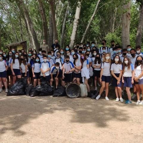 84 alumnes de les Paules netegen 12 quilòmetres del riu