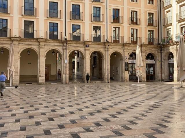 Alcoi és, com municipi més poblat del departament, qui compta amb la incidència més alta de les comarques, de 32 casos per cada 100.000 habitants.