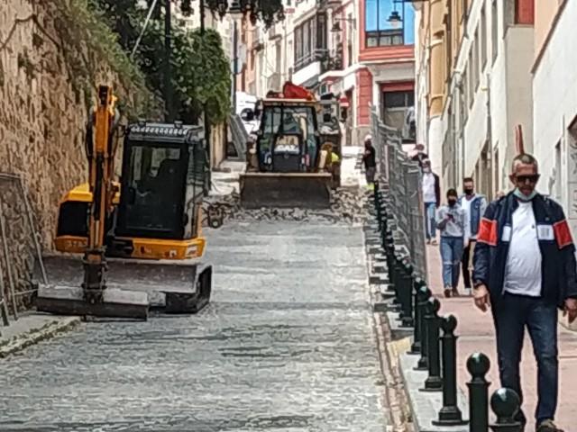 En marxa les obres al carrer Sant Mateu al centre d'Alcoi