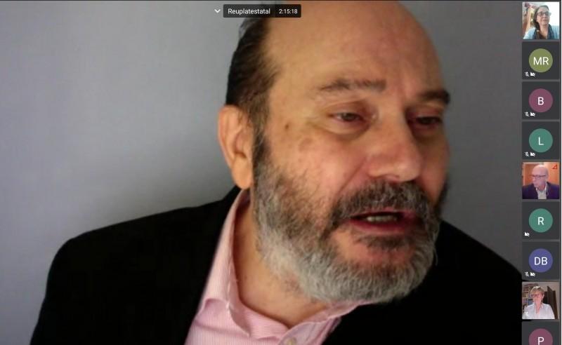 Paulino Campos, portaveu de la plataforma estatal de familiars, en un moment de la presentació.