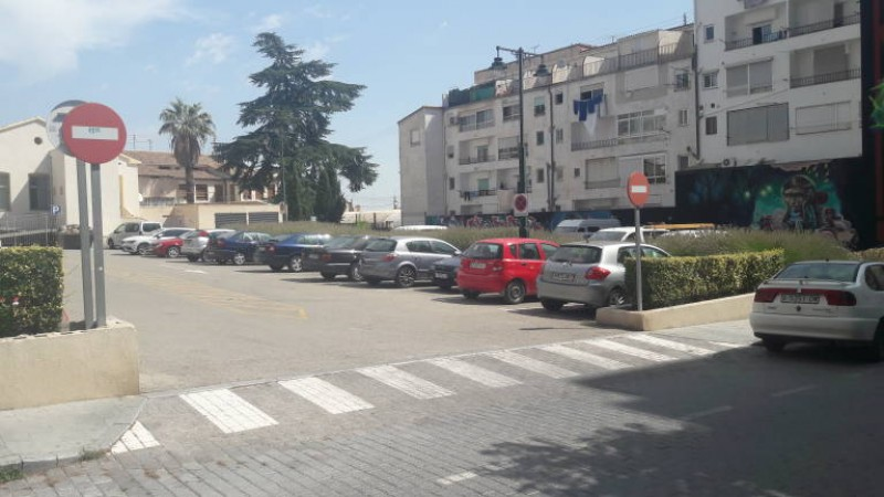 Plaça Torre de les Maçanes /ALICANTE PLAZA