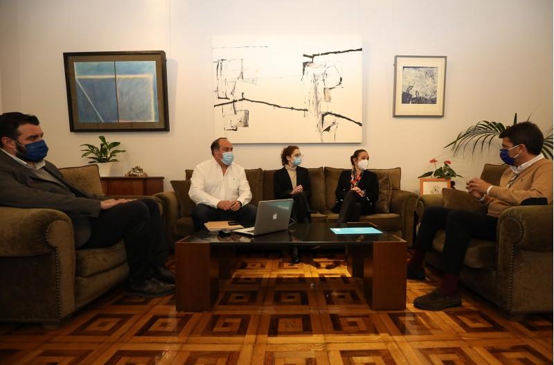 Reunió entre Turisme Alacant Interior i Diputació d'Alacant / Diputació