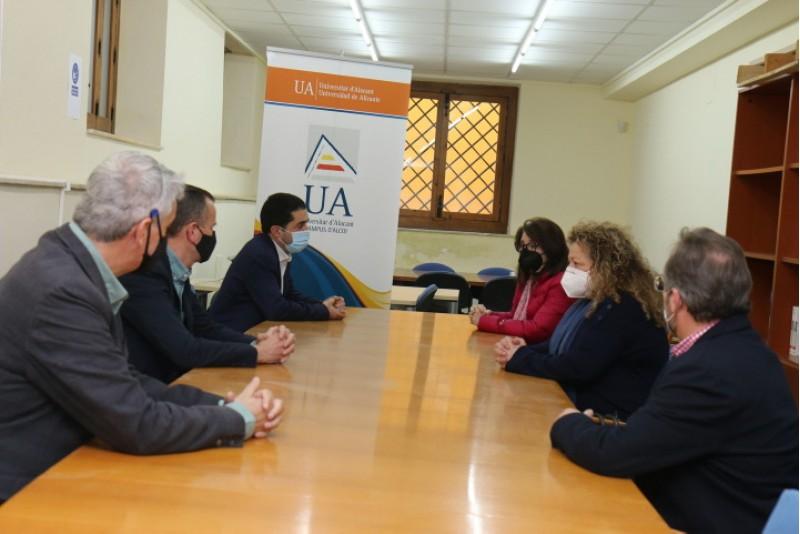 Reunió entre UA i Ajuntament d'Alcoi / AM