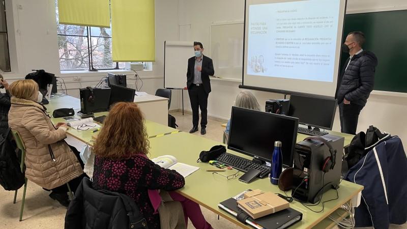Visita de Toni Francés i Alberto Belda a l'aula de