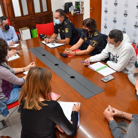 Reunió a Alcoi per a lluitar contra els delictes d'odi a la ciutat