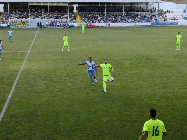 El Deportivo Alcoyano guanya el trofeu Ciutat d'Alcoi a l'Elx per penals (2-2)