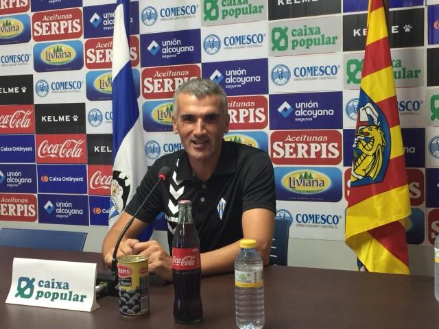 Vicente Parras, entrenador de l'Alcoyano // Imatge arxiu