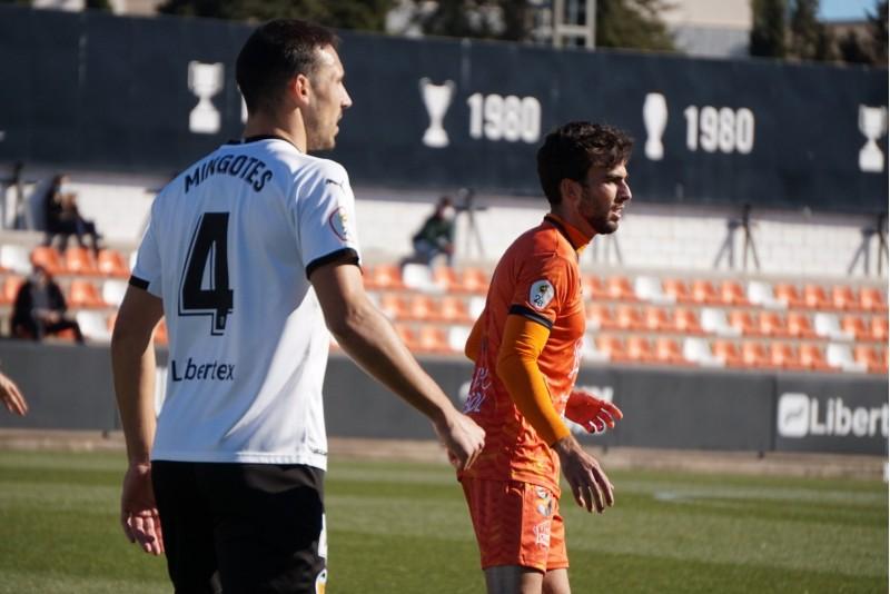 Guille Andres ha debutat com a jugador taronja. Fotos: Paula Jarque (web de l'Azeneta)