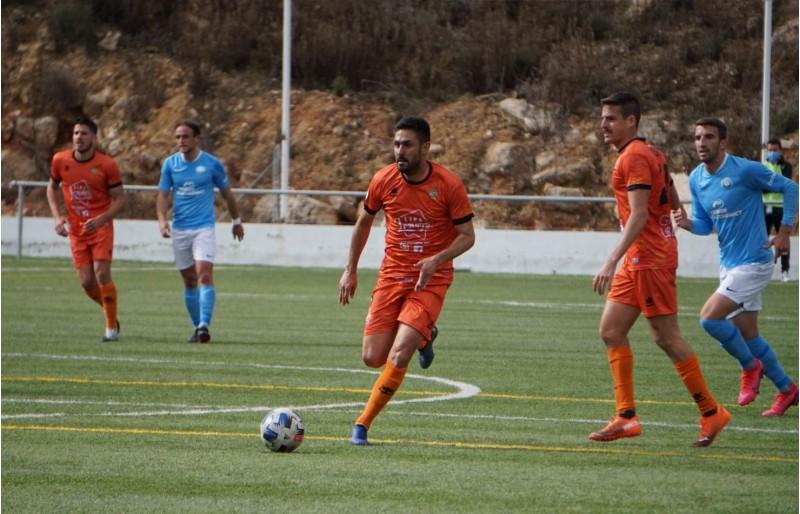 Iosu Villar, hui de nou titular amb l'Atzeneta. Foto: Paula Jarque.