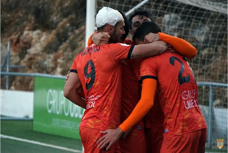 L'Atzeneta celebra el gol davant la Nucia. Foto: Paula Jarque (Web Atzeneta UE