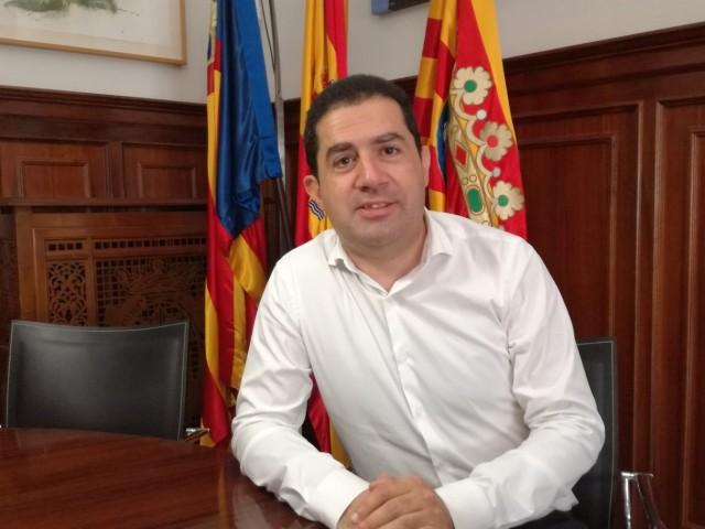 L'alcalde d'Alcoi Toni Francés en el seu despatx/AM