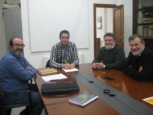 Reunió entre Gomicia, Natxo Gómez (FEDAC), Ramón Juan i Rafa Francés (els dos del Polígon de Cotes Baixes)