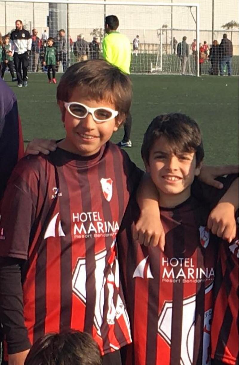 Mauro i Aarón, amb la samarreta del seu equip, el Ciutat d'Alcoi