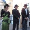 La regidora Zamorano acompanyada dels alcaldes d'Alcoi i Terrassa, instants abans del pregó de la Fira Modernista.