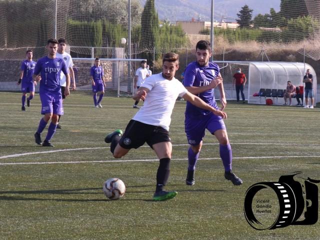 Bernat aconsegueix el segon gol del Deportivo. Foto: Vicent Gandia