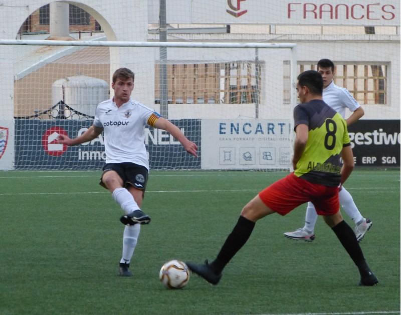 Alberto Osoro ha estat l'autor del primer gol del partit. Foto: Toni Tortosa (web Ontinyent 1931 CF)