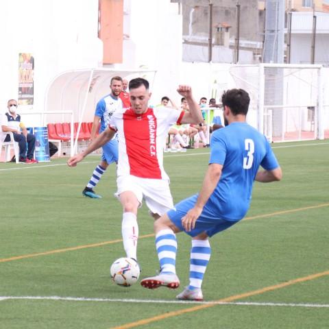 Emilio Ortolà va ser l'autor del quart gol del Benigànim CF. Foto: Vicent Gandia
