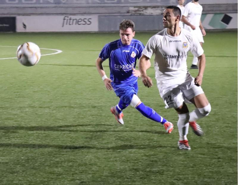 Wences, autor del segon gol del Benigànim CF. Foto: Vicent Gandia