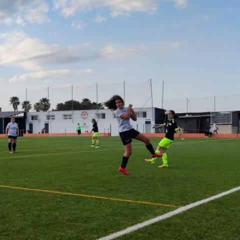 Entoncre entre l'Atlètic Cárcer i l'Amateur Femení Ontinyent. Autor: Club Deportivo Ontinyent