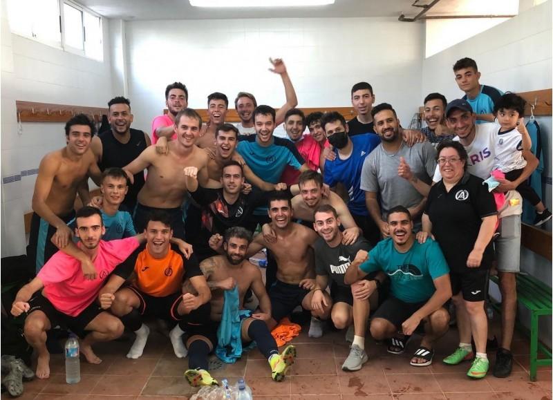 Celebració de l'Albaidense després de superar la primera eliminatòria