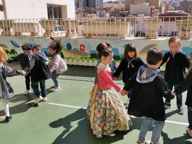 Dansá de l'alumnat d'Infantil a La Milagrosa.