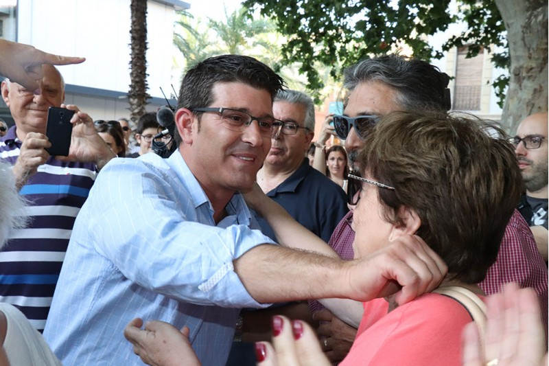 Jorge Rodríguez, en un acte multitudinari a la Plaça de Sant Domingo, hores després de ser alliberat. Foto: Vicent Gandia
