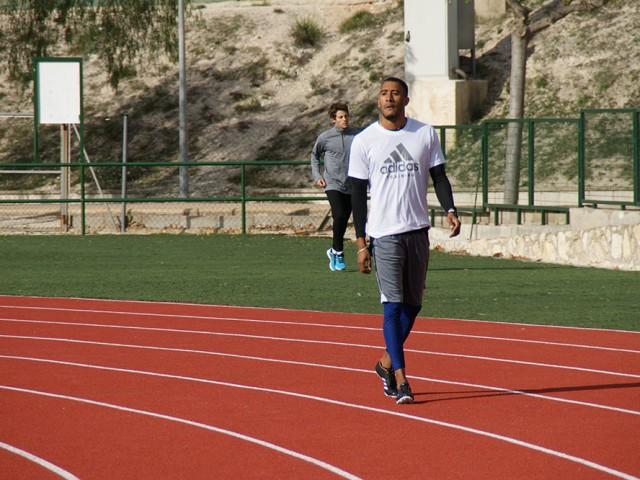 Orlando Ortega, en la pista d'atletisme d'Ontinyent