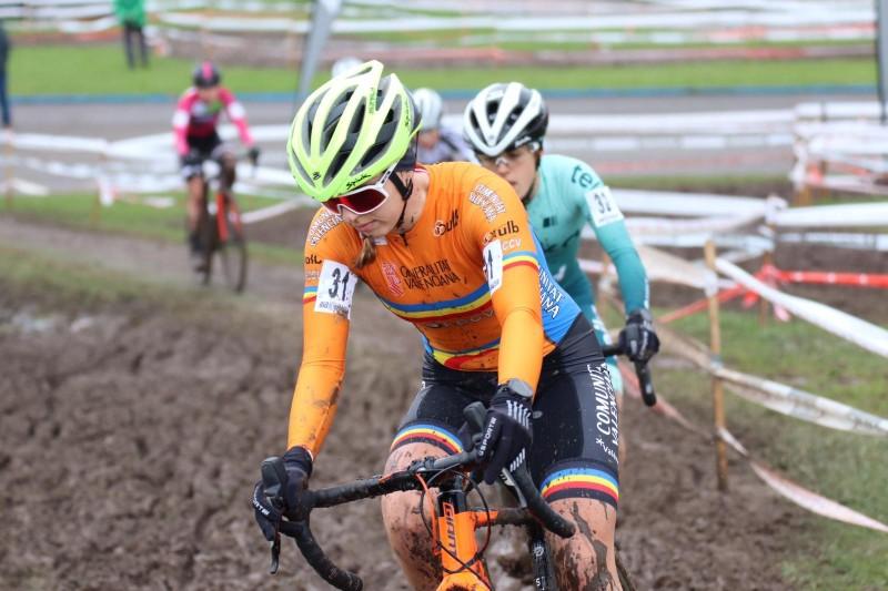 Sofía Revert, en plena cursa de cross
