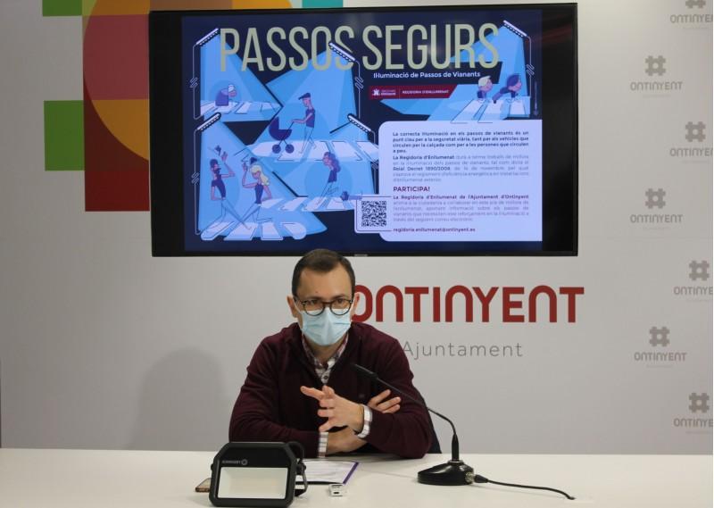 El Regidor d'Enllumenat, Paco Penadés ha presentat el Pla de Millora.