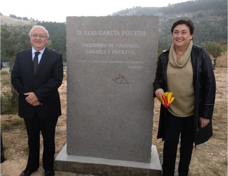 La vídua deLuísGarcíaha estat present en l'homenatge a l'enginyer