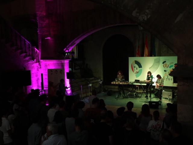 El grup alcoià Júlia va actuar al pati gòtic del Palau de la Generalitat./ Comunicació del Palau de la GVA