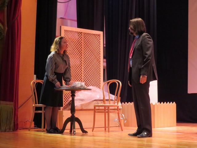 Teatre Circ porta a Alcoi 'L'Amant', l'obra del dramaturg Harold Pinter