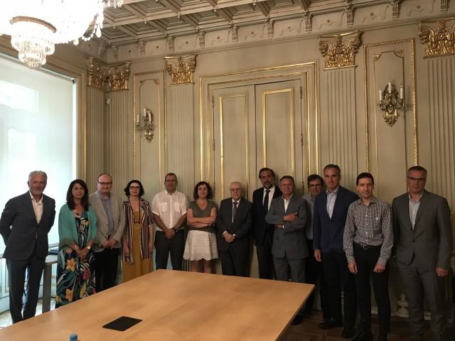 Patronals i UGT firmen el Conveni Tèxtil i de la Confecció