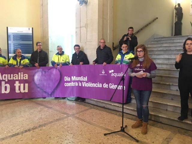 Alcoi homenatja les 53 víctimes d'enguany per la violència de gènere