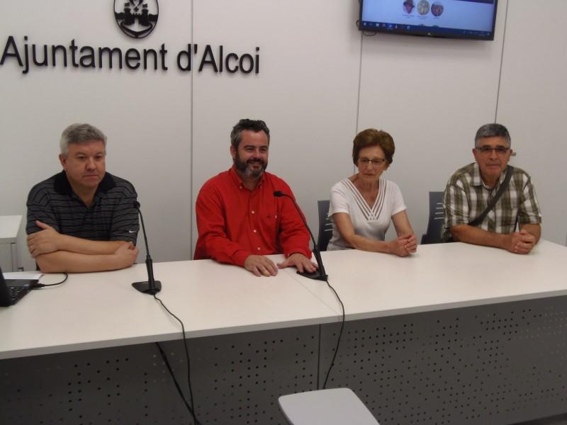 Roda de premsa amb el regidor de Cultura, el responsable de l'arxiu municipal, i familiars de José Sempere Aura / AM