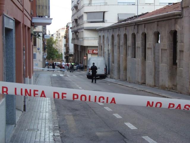 Perímetre policial al carrer Vistabella durant la vesprada del 5 d'octubre / AM