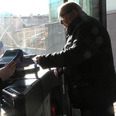 Es redueix el servei de les línies 2 i 3 del transport urbà