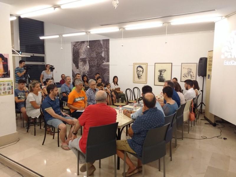 Centre Cultural Ovidi Montllor en meitat d'un acte.