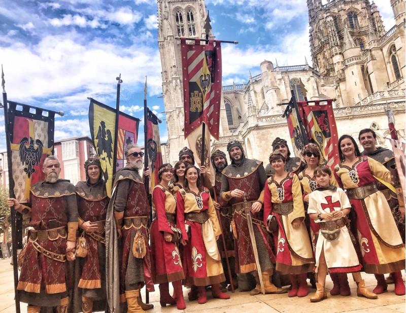 L'esquadra del Mig dels Cids, acompanyada d'amics i altres festers, a Burgos / Germans Piñero