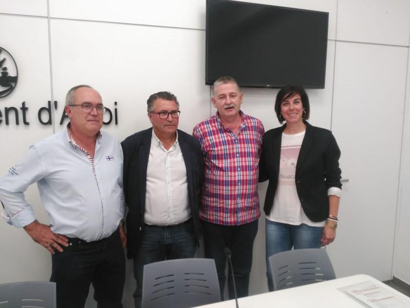 Roda de premsa amb representants del Nou club Bàsquet Alcoi, la regidoria d'Esports de l'Ajuntament d'Alcoi, la Federació Bàsquet Comunitat Valenciana, i el col·legi Sant Vicenç de Paül.