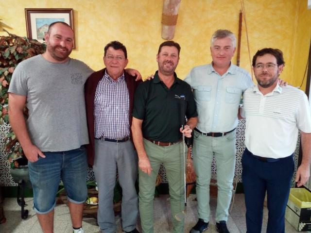 Els guanyadors amb el patrocinador / Club Golf Alcoi