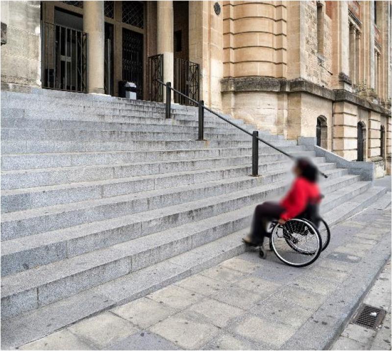 Un dels punts a resoldre és la falta d'accessibilitat a alagunes escoles municipals.