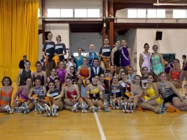 Patinadores de la nostra ciutat premiades al campionat Autonòmic de patinatge artístic.