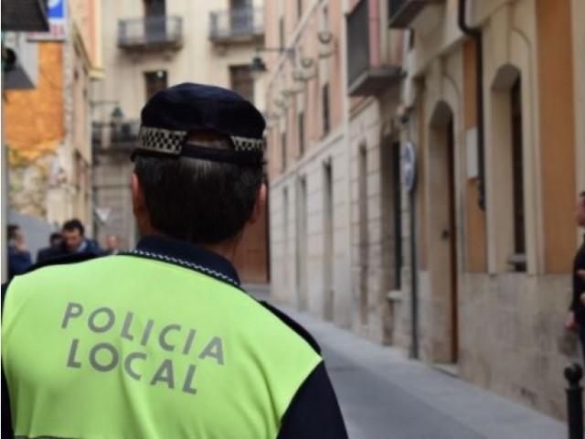 12 policies locals podrien anticipar la seua jubilació en Alcoi