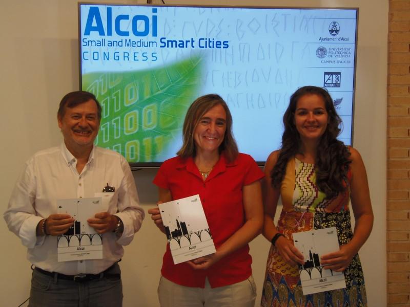 Imatge de la roda de premsa celebrada a la Sala Multiús del Campus d'Alcoi de la UPV