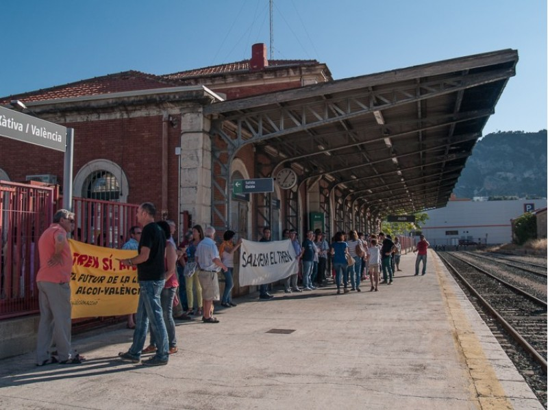 Imatge d'arxiu. Protesta de l'any 2015 a l'estació d'Alcoi