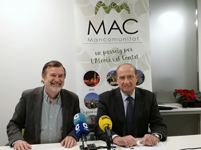 Manolo Gomicia, gerent de la Mancomunitat; i Jesús Casanova, director del CEEI Alcoi-València