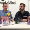Els regidors d'educació i cultura, Alberto Belda i Raül Llopis, presenten el guardó i el programa de la Primera Mostra de teatre Escolar